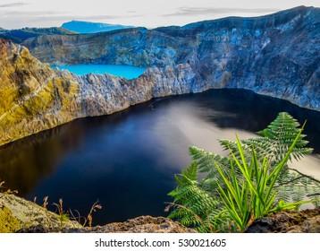 Kelimutu, 3 colored lakes Flores Indonesia