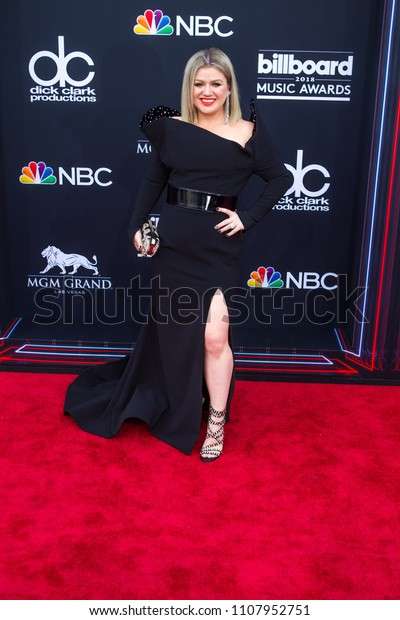 Kelly Clarkson attends the Red Carpet at the 2018 Billboards Music Awards at the MGM Grand Arena in Las Vegas, Nevada USA on May 20th 2018