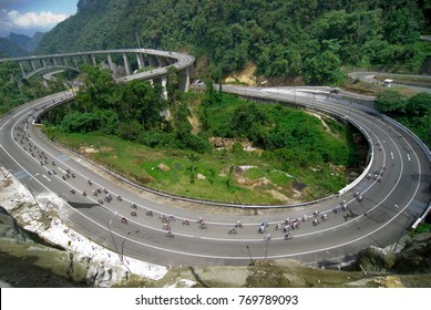 Kelok 9 is fly over at west sumatra