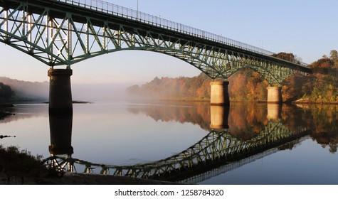 Kennebec River, Rail Trail, Autumn, Fort Western Augusta Maine, Cushnoc Brewery, Kennebec Memorial Bridge, Augusta, Maine, USA