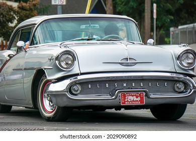 KENNEWICK, WA - AUGUST 21, 2021:Classic Oldsmobile automobile at the Benton Franklin County Fair parade