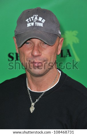 5b8dde60e630f Kenny Chesney at the Los Angeles premiere of Marley at the Cinerama Dome