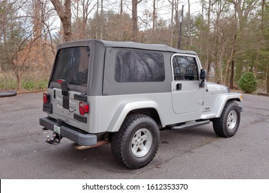 Silver Jeep Images Stock Photos Vectors Shutterstock