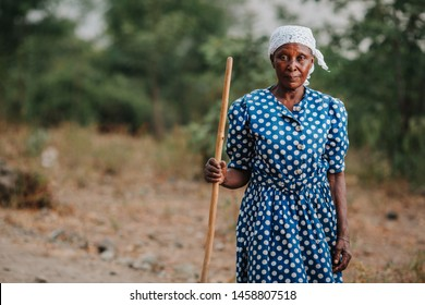 KENYA, RUSINGA island, UTAJO village - FEBRUARY 18, 2015: portraits from Africa, Kenya, old woman