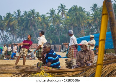 KERALA, SOUTH INDIA - DES 07: Traditional fishing in Southern India on Desember, 07, 2013 in Kerala, India