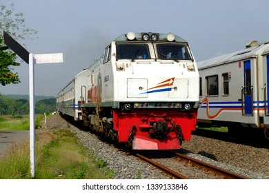 Kereta api Ranggajati, Ranggajati train passenger. Kulon Progo, Indonesia - 20-11-2017