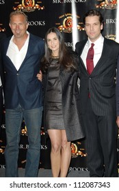 """Kevin Costner with Demi Moore and Dane Cook at the ShoWest 2007 Photocall For MGM's """"Mr. Brooks"""". Paris Hotel, Las Vegas, NV. 03-13-07"""