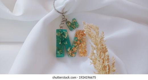 Keychain Alphabet M Resin Art