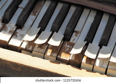 Keys of a desolate old weathered piano, Melbourne 2017