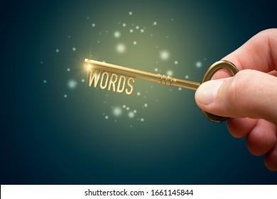 Schlagwörter sind ein Schlüssel für ein erfolgreiches SEO-Konzept. Entfesseln Sie das Potenzial Ihres Web mit optimierten Schlagwörtern. Hand mit Schlüssel mit Textbegriffen.