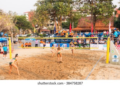 KHAMPHAENGPHET THAILAND - MARCH 2: Unidentified woman Player on Asian - U21 Beach Volleybal championships 2016 on March 2, 2016 in Khamphangphet, Thailand.