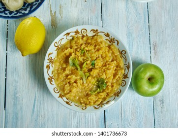 Khandeshi Dal, ombination of urad dal, masoor, moong and gram dal spiced, Maharashtrian national  cuisine, Traditional assorted Asia dishes, Top view.