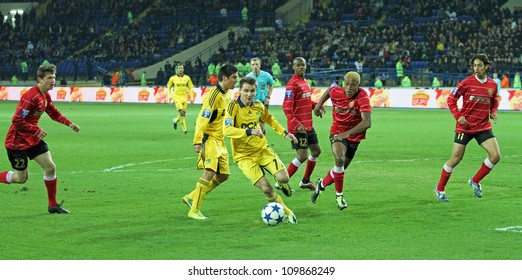 KHARKIV, UKRAINE - APRIL 3: FC Metalist Kharkiv FW Denys Oliynyk (C) in action during football match vs FC Metalurh Zaporizhya April 3, 2011 in Kharkov.
