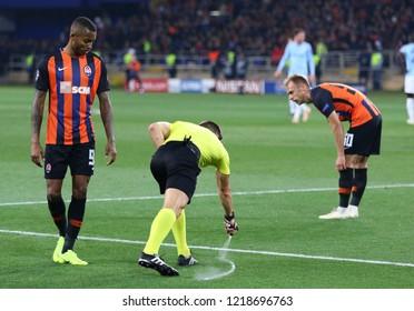 KHARKIV, UKRAINE - OCTOBER 23, 2018: Referee Carlos Del Cerro (ESP) uses the vanishing foam during the UEFA Champions League game between Shakhtar Donetsk and Manchester City at OSK Metalist stadium