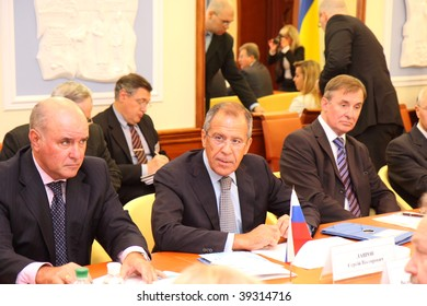 KHARKIV, UKRAINE - OCTOBER 6: Meeting of heads of foreign affairs ministries of Ukraine and Russian Federation - Volodymyr Khandogiy and Sergei Lavrov in Kharkiv. October 6, 2009 in Kharkiv, Ukraine.