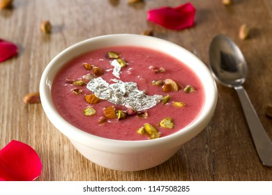 Kheer is one of the tasty and delicious rice pudding from Indian cuisine. Rooh afza kheer is a twist to the normal kheer, in which rice is cooked with milk, sugar and rooh afza syrup.