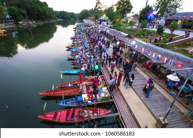Khlong Hae Floating Market is a market place selling wooden boats on the canal side, that have lot of tourist and local visit here. HATYAI , THAILAND - MARCH 18,2017: