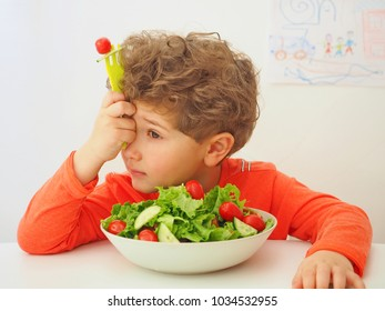 Kid doesn't want to eat big bowl with salad