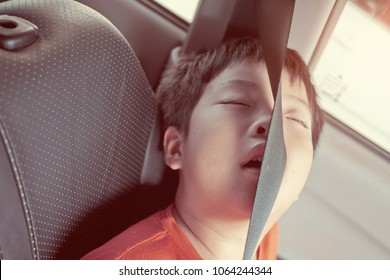 kid sleep on car. child feel sick. sleep on car seat