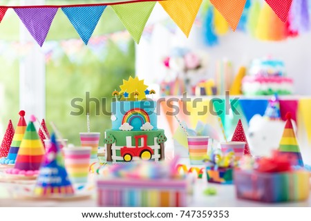 Kids Birthday Party Decoration Colorful Cake Stockfoto Jetzt