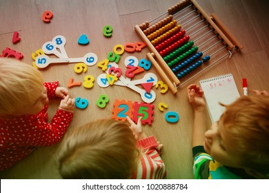 kids learning numbers, abacus calculation