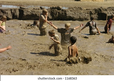 kids play in mud