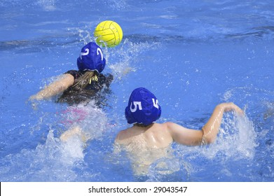 Kids playing water polo