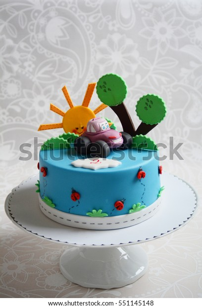 Kids'birthday cake