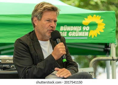 Kiel, Germany, July 31, 2021 Today Bündnis90 - Die Grünen in Schleswig-Holstein started the election campaign for the federal election with the leadership duo Luise Amtsberg and Robert Habeck