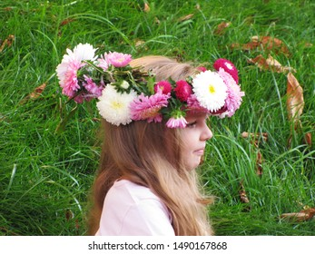 Kiev, Ukraine August 24, 2011: Girls with wreaths on their heads for the Celebration of 20 years of Independence of Ukraine
