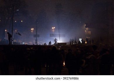 KIEV, UKRAINE January 18, 2014: Protesters to barricades in Kyiv. The revolution in Ukraine. Warriors of Light