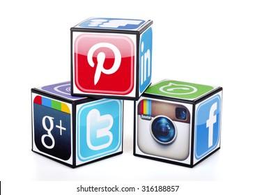 Imágenes, fotos de stock y vectores sobre Cubos Redes Sociales