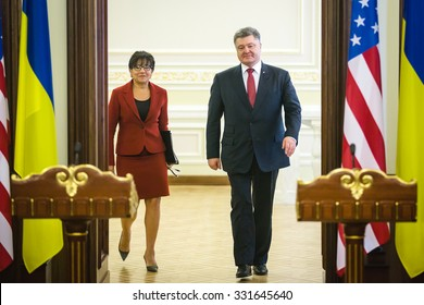 KIEV, UKRAINE - Oct 26, 2015: President of Ukraine Petro Poroshenko is having a meeting and briefing with U.S. Secretary of Commerce Penny Pritzker in the Presidential Administration