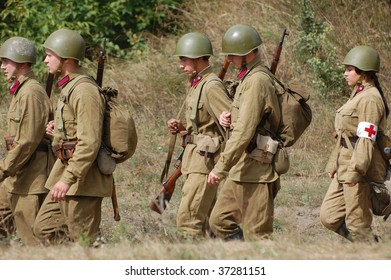 KIEV, UKRAINE - SEPT 6, : Members of a history club wear historical Soviet uniforms as they participates in a WWII reenactment.Defense Kiev in 1941. September 6 , 2009 in Kiev, Ukraine