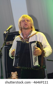 """KIEV-UKRAINE - JUNE 27: Ukraine Singer Oleg Skripka Band """"Vopli Vidoplyasova"""" at Festival """"Kraina Mriy"""" 2009 Show. June 27, 2009 at Kiev, Ukraine"""