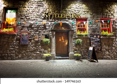 KILKENNY, IRELAND - MAR 27:  Historic Kytelers Inn in Kilkenny City, Ireland on the night of March 27, 2013.  This landmark Medieval Irish pub was established in 1324.