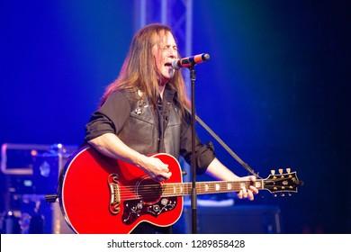 Killer Dwarfs Nov. 10 2018 at the Muisic Hall and Concert Theatre , Oshawa , Ontario , Canada Russ Graham lead singer of the Killer Dwarfs.