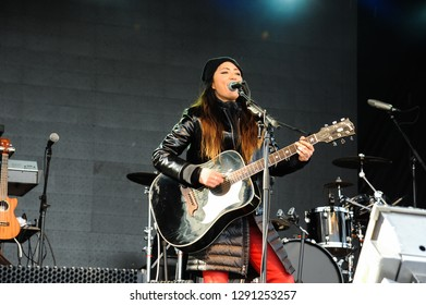 KILLINGTON, USA - NOVEMBER 24: A Live Music by KT Tunstall at Festival Village, K-1 Base Area during the Audi FIS Alpine Ski World Cup Women's Giant Slalom on November 24, 2018 in Killington USA.