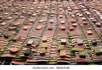 Kiln fired Chinese roof tiles made from brick material