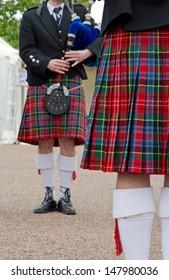 Kilt, tartan, Scottish musicians