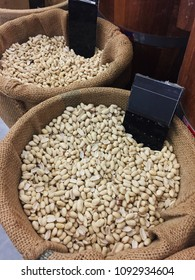 Kind of bean have more vitamin for health is very fresh can buy at the market or supermarket very cheap and variety.