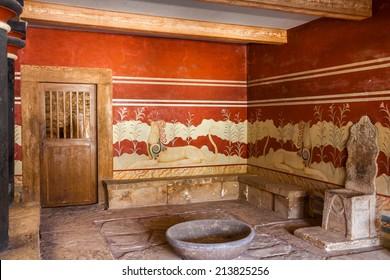 King's chamber of legendary Knossos palace, Crete, Greece