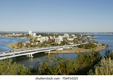 Kings park and Botanic Garden, One of the largest inner-city parks in the world, perched high on the crest of Mount Eliza, making it a top spot for panoramas of Perth's city skyline and Swan River.