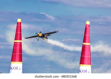 Kirby Chambliss from USA races at the Masters Cup air race at the Red Bull Air Race 2016 in Ascot Stadium, UK on the 14.08.2016.