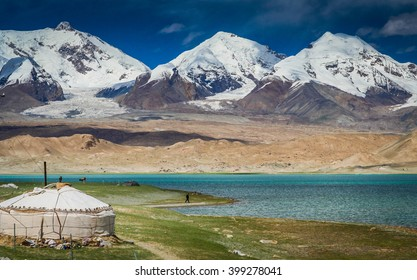 Kirgiz yurt on the shore of the Kara Kul lake in Karakorum, China