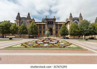 KISLOVODSK, RUSSIA - August 15, 2015: the historic city center - the main Narzan baths, since 1903, and take a rest for patients with mud and water therapy.