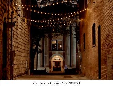 Kissing alley san marcos texas