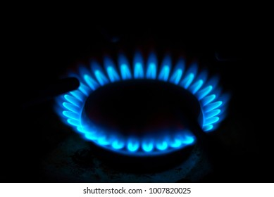 Kitchen gas burning ring with blue fire