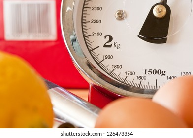 Kitchen scales for baking