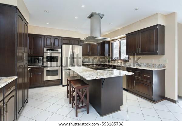 Kitchen Suburban Home Stovetop Island Stock Photo Edit Now 553185736